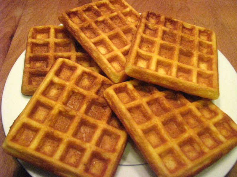 If you want to prepare waffles just like mine, spread some nutella ...