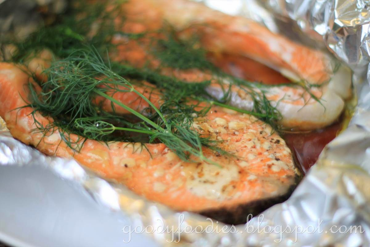 GoodyFoodies: Recipe: Baked salmon fillet with soy sauce and dill