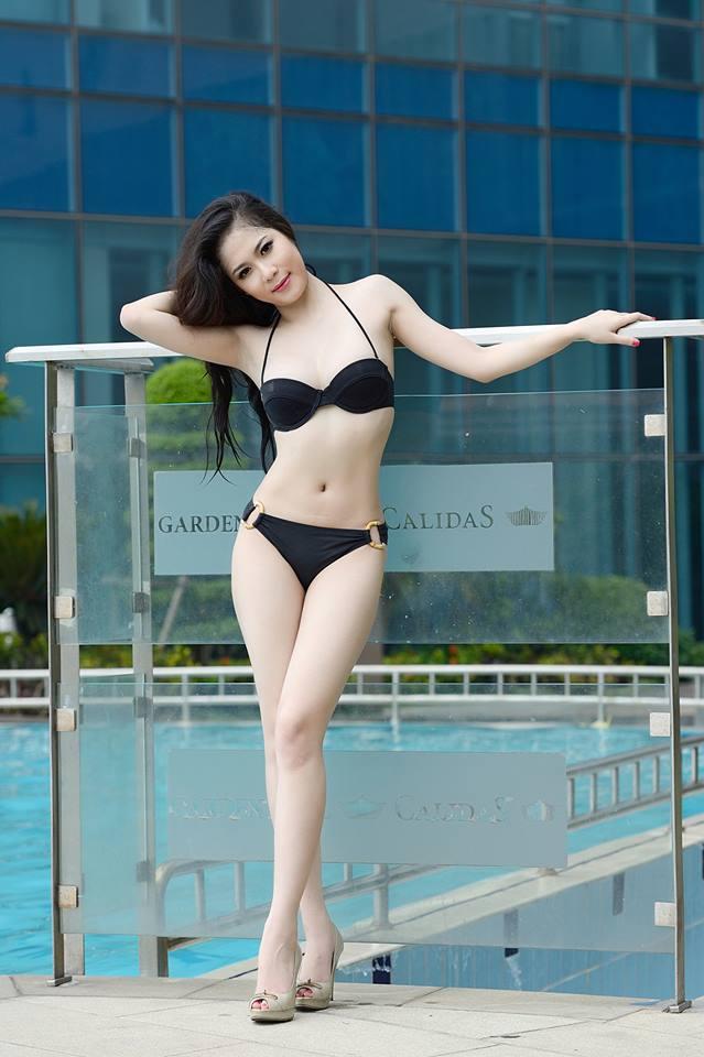 Tít mắt đường cong Julia Nguyễn 14