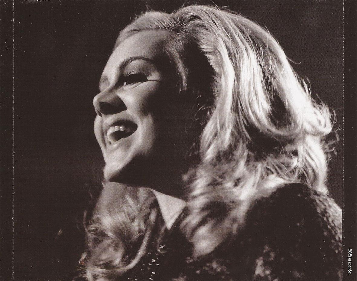 http://4.bp.blogspot.com/-OUebA7LiTN0/TvzlUjeQVPI/AAAAAAAABUc/eCQMHhF33yA/s1600/Adele-Live_At_The_Royal_Albert_Hall-Interior_Trasera.jpg