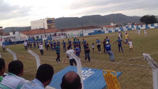 Elenco da Desportiva mostrou raça nas cobranças de penalidades (Foto: Alex Araújo / CartaPB)