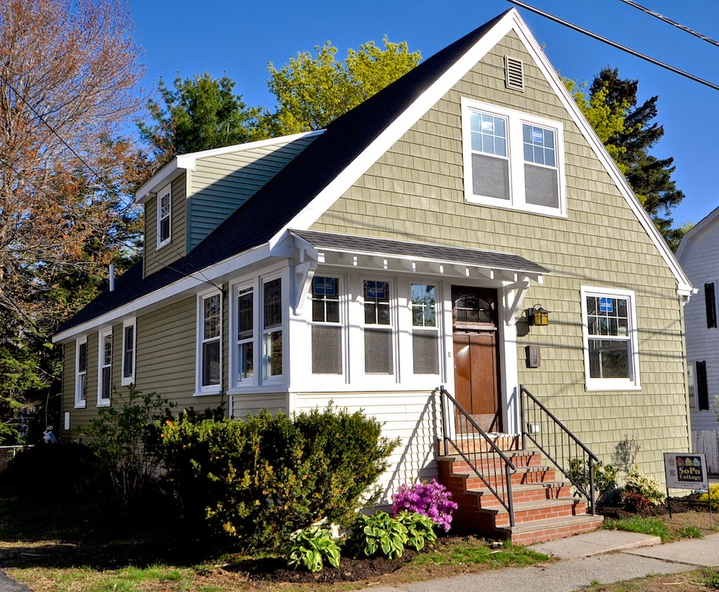 SoPo Cottage Bungalow Curb Appeal