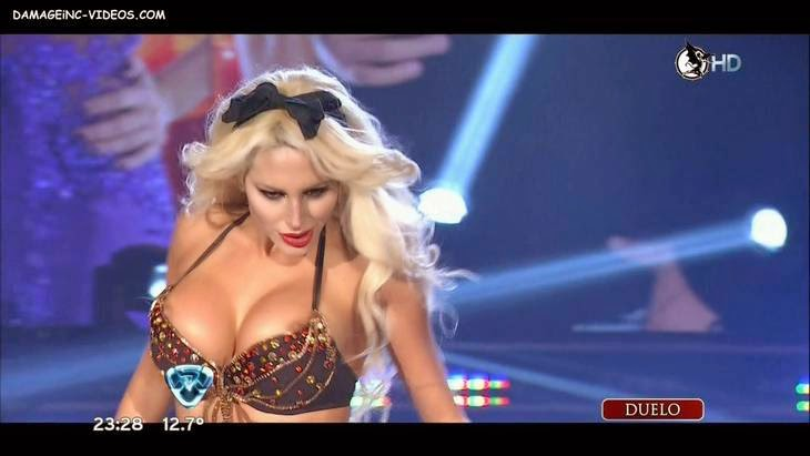 Argentina showgirl Vicky Xipolitakis nipples slip on live tv video