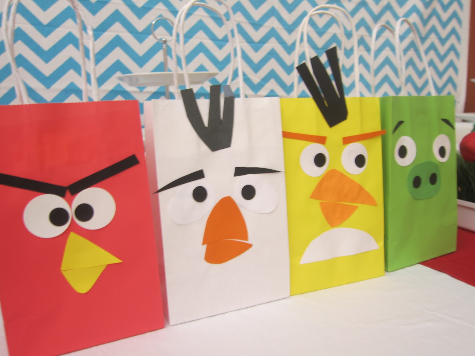 Simplyiced party details angry bird birthday party for Angry birds party decoration ideas