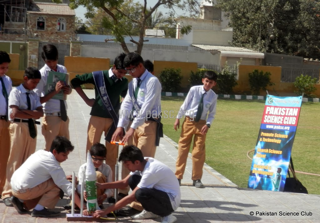 Photo water rocket competition : Habab