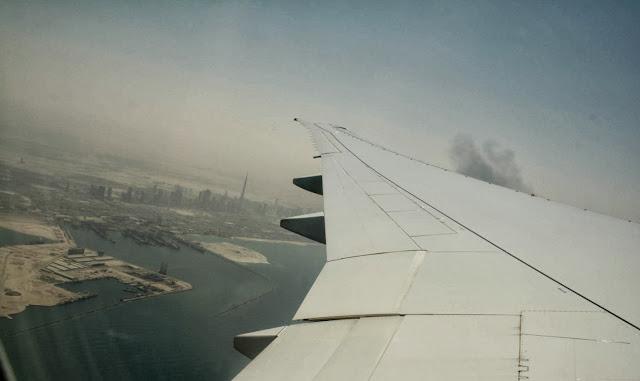airplane, instagram, glitter daiquiri, dubai, dubai skyline, airplane view, emirates