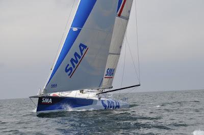 Le Team a quitté la France pour aller récupérer l'IMOCA SMA, à la dérive.