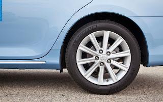 Toyota camry car 2013 tyres/wheels - صور اطارات سيارة تويوتا كامري 2013