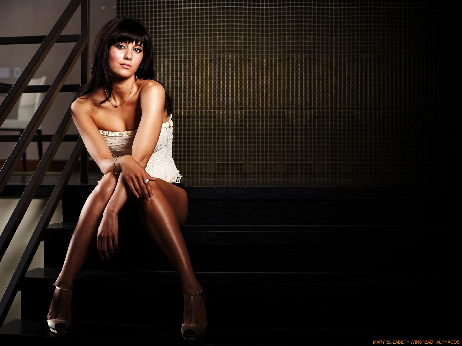 http://4.bp.blogspot.com/-OW8HmHvVyPQ/TtYjCVSeR-I/AAAAAAAABGA/_iPlJ9ob7Ps/s1600/Mary-Elizabeth-Winstead-Hot-hd+Wallpapers.jpg