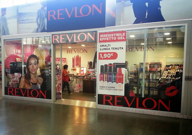 temporary store revlon 01