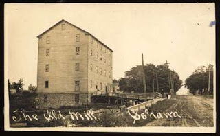 The Warren flour mill, built in 1837, was on the east side of the Oshawa Creek on King Street. Source: OurOntario.ca