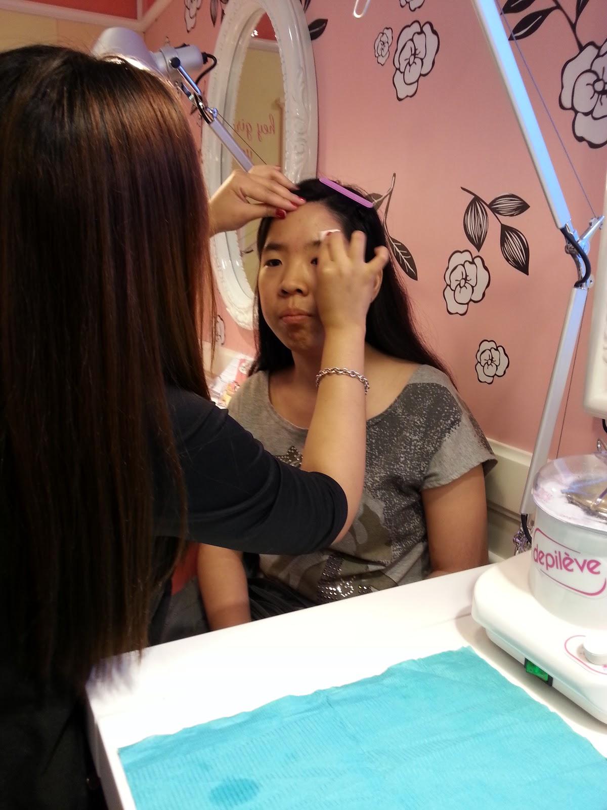 how to use brow wax