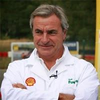 Carlos Sainz en los laboratorios Shell en Hamburgo