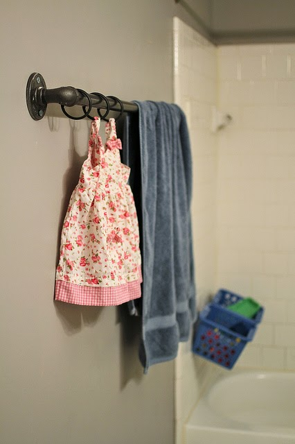 DIY Industrial Pipe Towel Rack