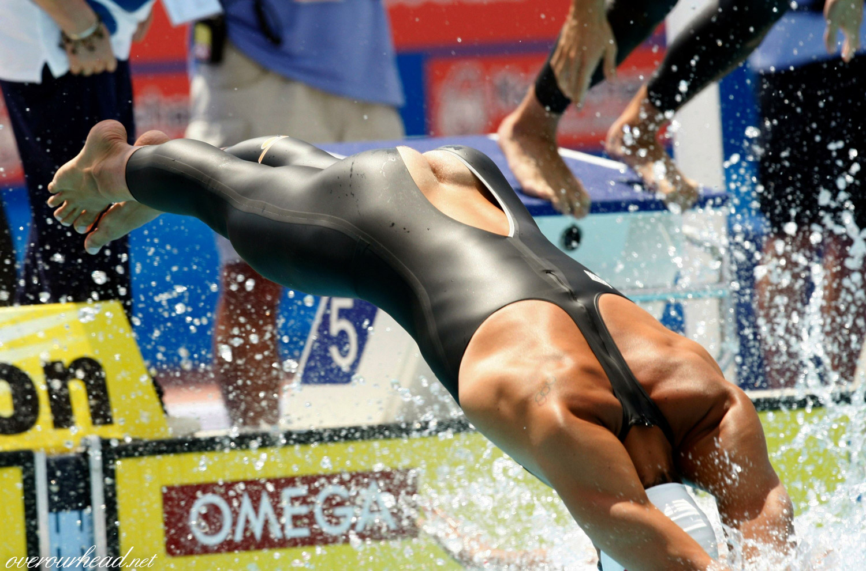 Спортсменка порвала костюм на жопе фото 7 фотография