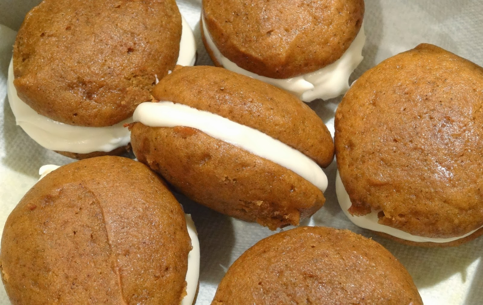 Day 3: Mini Pumpkin Whoopie Pies with Whipped Maple Cream Cheese ...