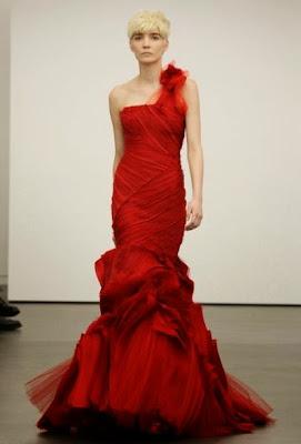 sublime robe rouge de mariée Vera Wang défilé