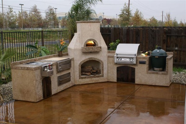 Brick laminate picture brick grill and smoker for Build your outdoor kitchen