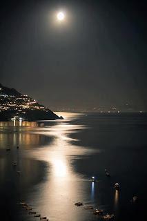 la luna hasta el infinito