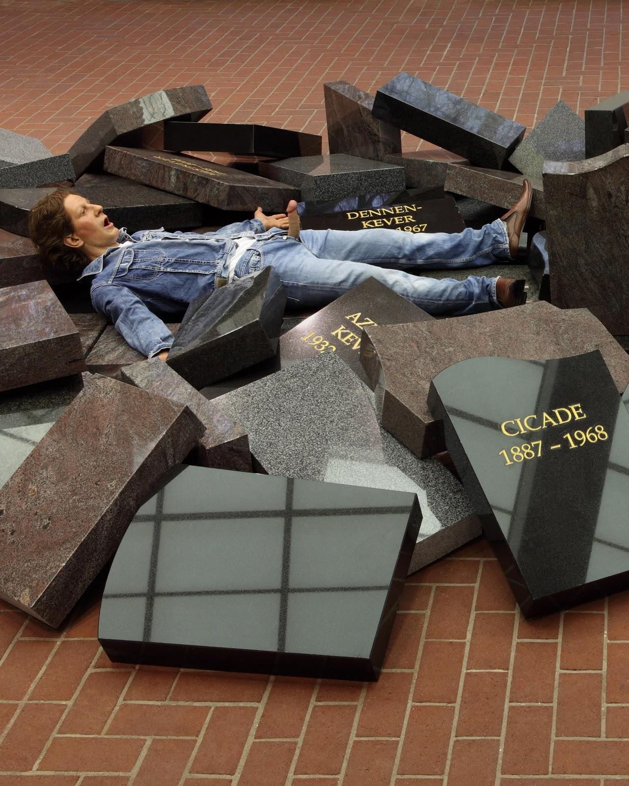 Gesprekken met hedendaagse kunstenaars interview met jan fabre - Hedendaagse fontein ...