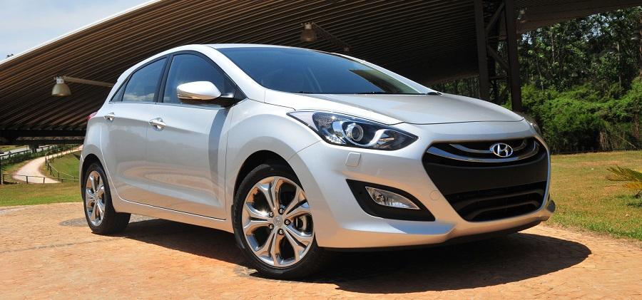 a car Hyundai i30 2013