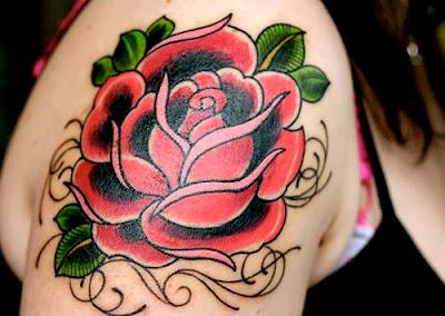 Tattoos Femininas Rosa