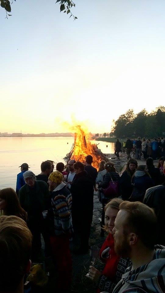 Mitdsummer bonfire | Alinan kotona blog