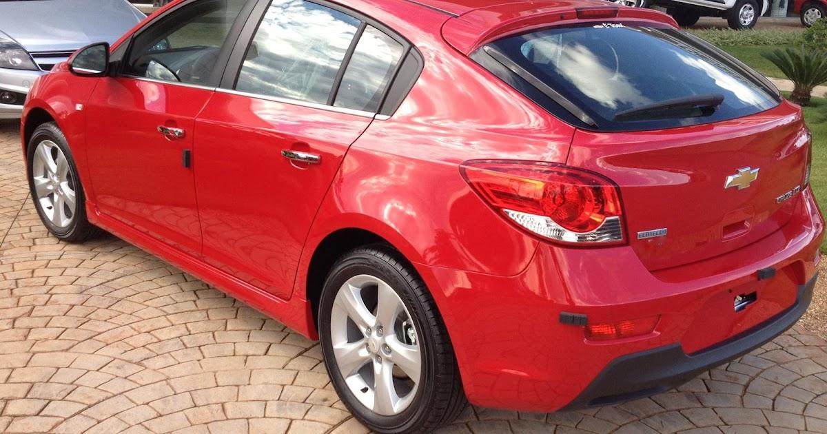 Cruze Sport Hatch supera o Cruze Sedan em vendas