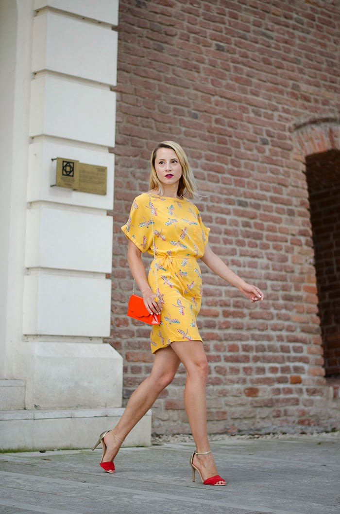 zara dragonfly print yellow dress mango red gold sandals