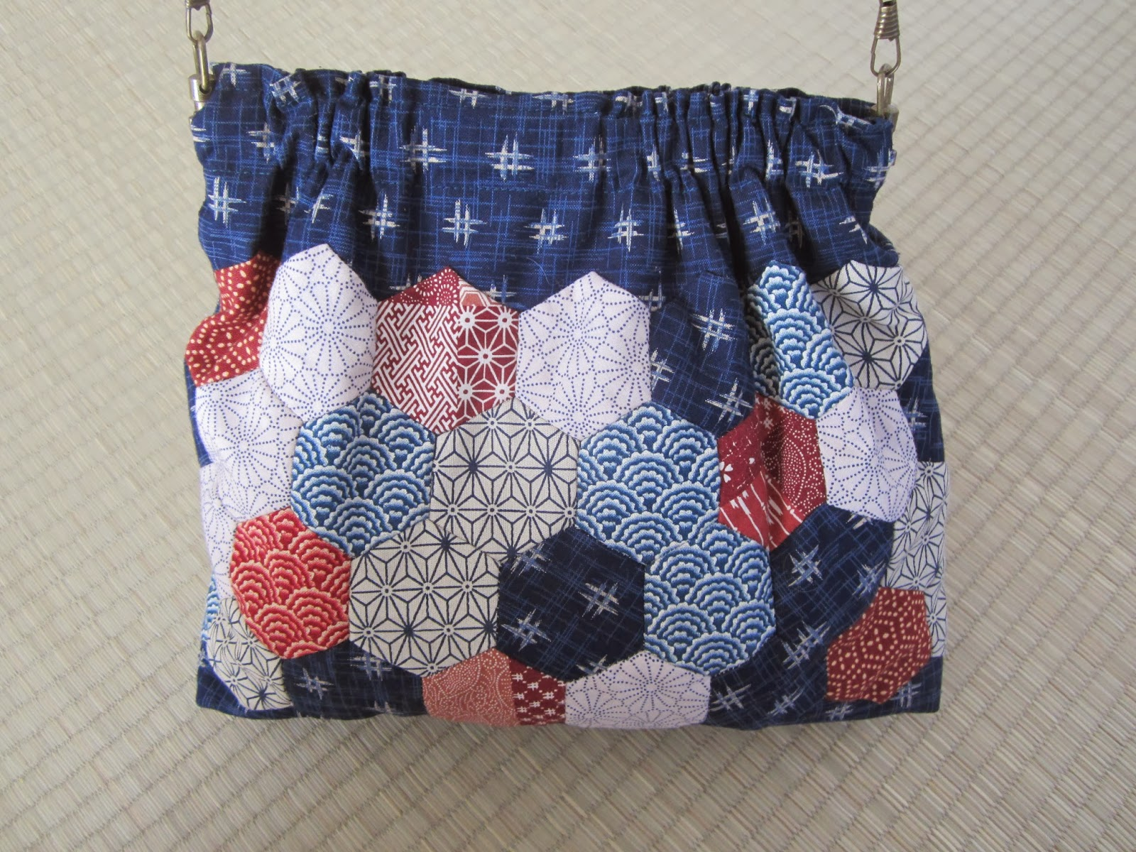 bolso patchwork de hexagonos