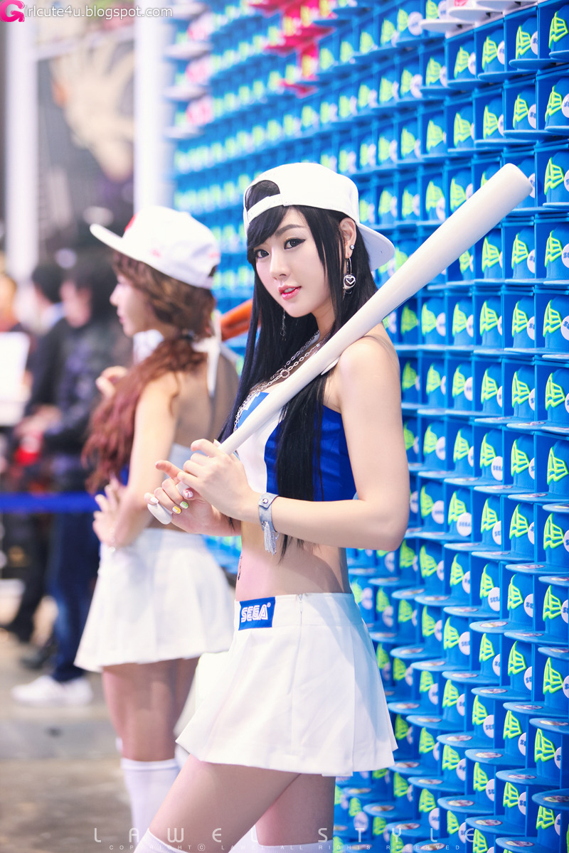 xxx nude girls: Hwang Mi Hee - G-Star 2011