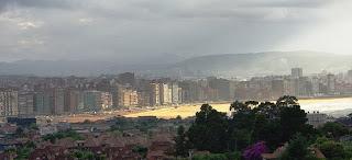 Gijón, vista desde las proximidades de La Providencia