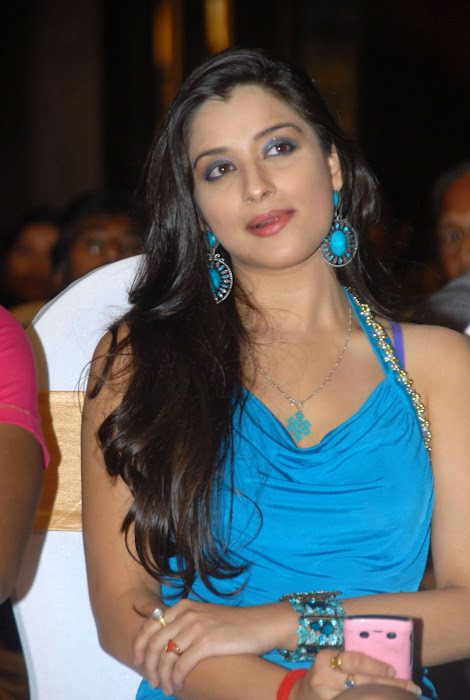 madhurima at mahankali audio launch, madhurima new glamour  images