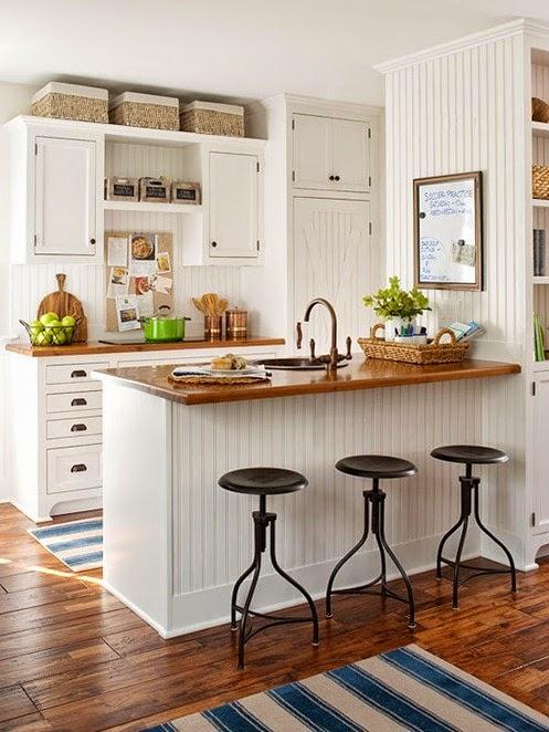 Salt marsh cottage beach house kitchen for Decoracion de cocinas pequenas con desayunador