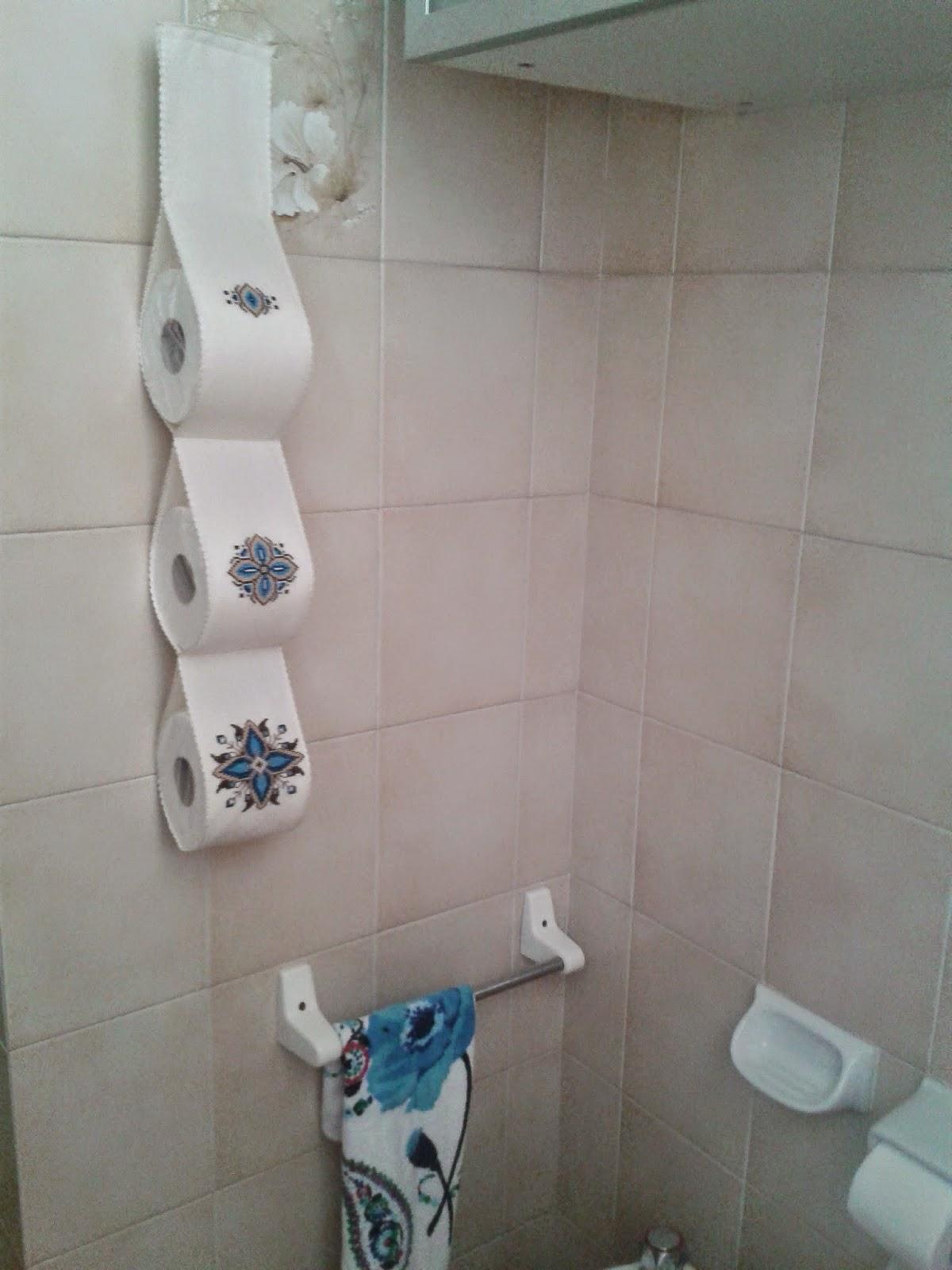 Punto Scappato: Porta rotoli di carta igienica per un tocco ...