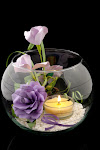 Aranjament de masa in bol, cu flori si lumanari
