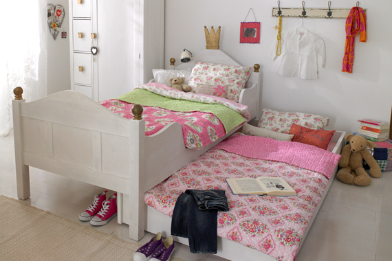 the boo and the boy kids sharing a room. Black Bedroom Furniture Sets. Home Design Ideas