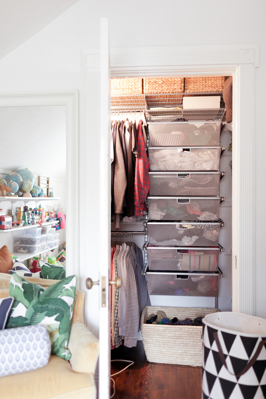 Small Square Closet Organization 1000 x 1500