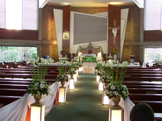 Example wedding decoration wedding cruch decorations adorning a church with flowers provides a sense of peace solemnity calm and freshness all around a easy and a fantastic ornament are doable with garden junglespirit Images