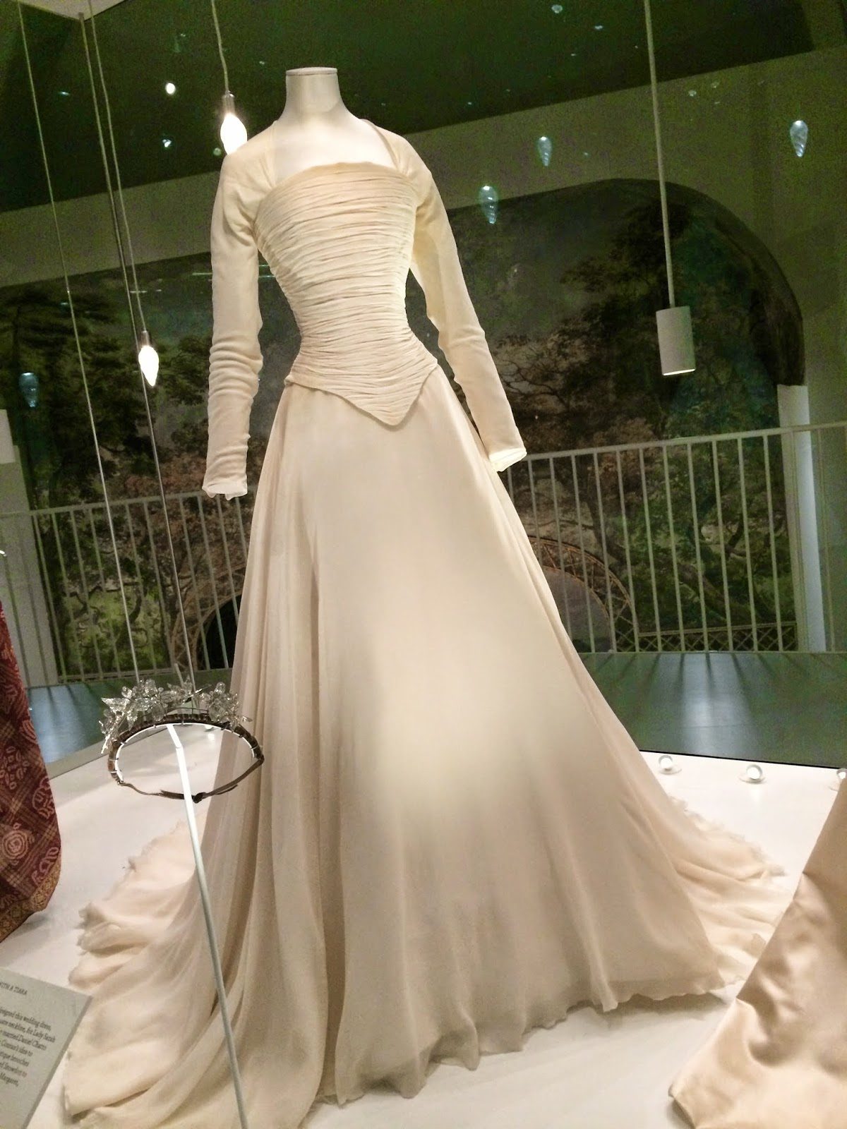 Love & Life in...: Wedding Dresses at the V&A