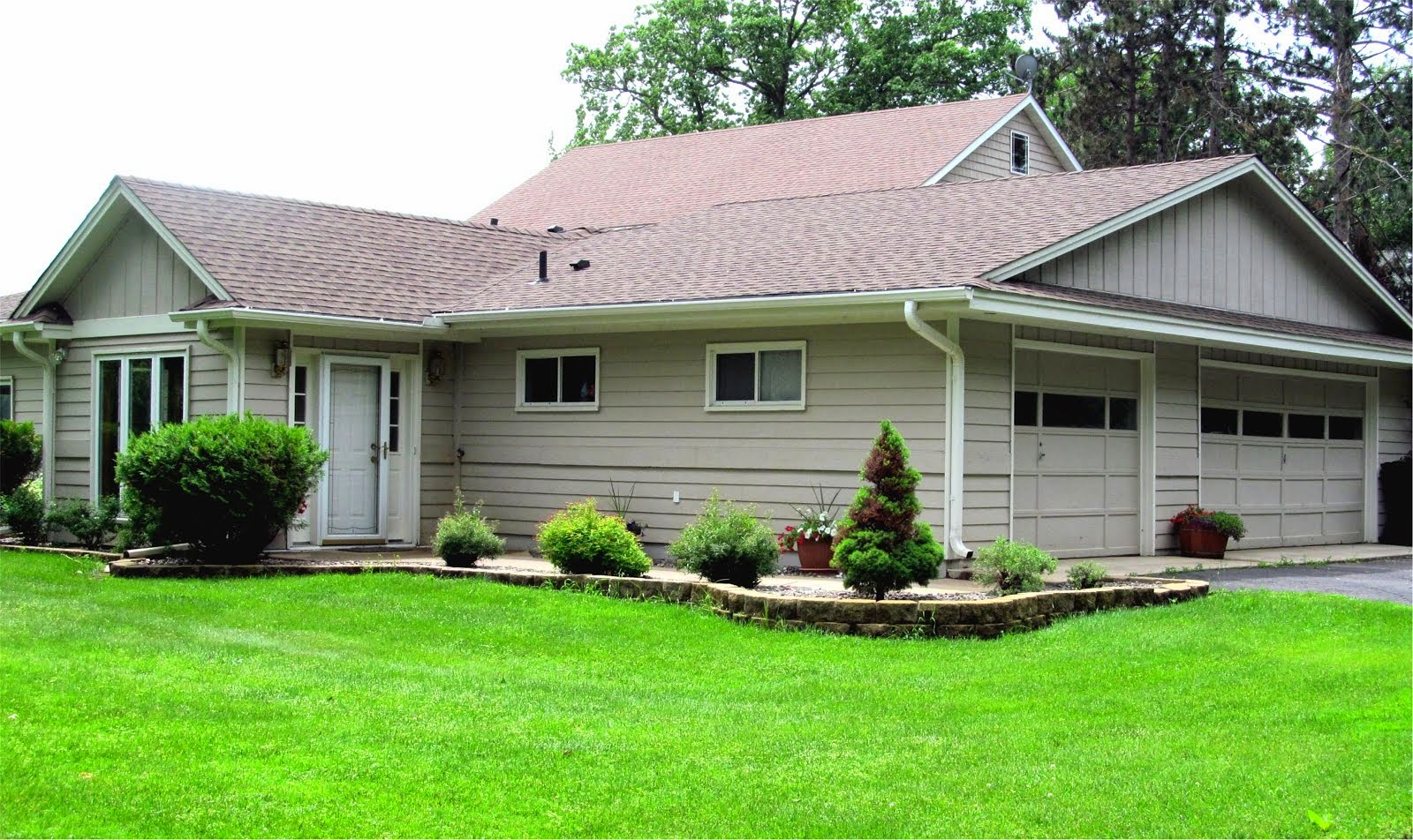 REDUCED! ONE Level Living on COON LAKE!