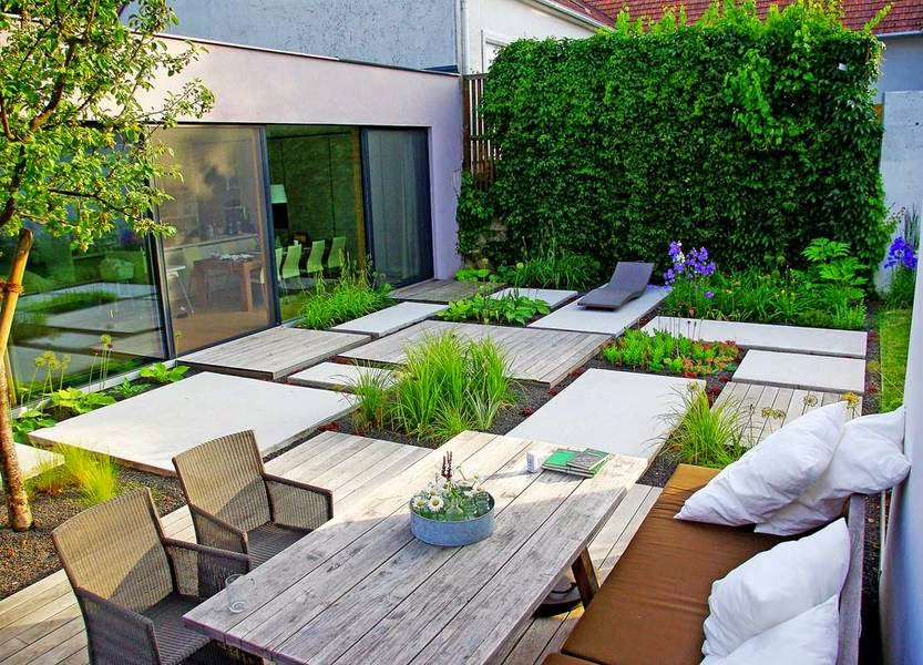 Narrow house garden design with a minimalist style - Gardening for small spaces minimalist ...