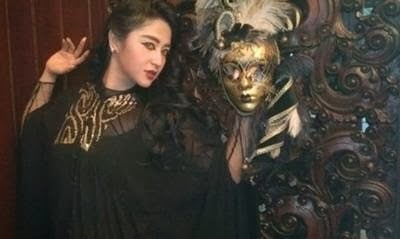 Penyakit Dewi Persik Disembuhkan Umi Zubaidah
