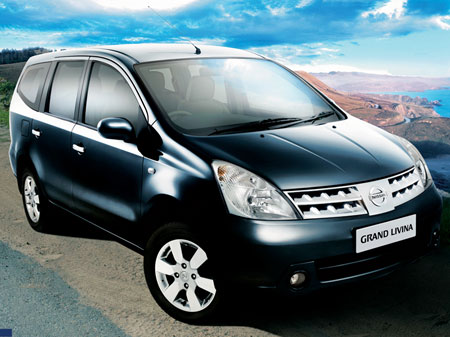 Nissan Grand Livina 2013