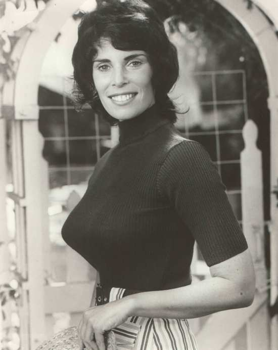 Barbara Joyce naked