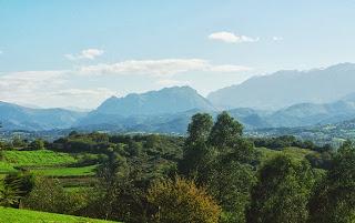 ruta del pico El Paisano a Gallegos,vistas Monsacro y Aramo
