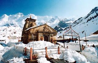 [Image: Kedarnath-temple-clickfaces-travel-agench.jpg]