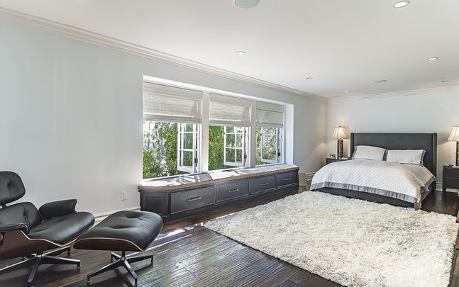 My first little place jeff lewis los feliz gem for Jeff lewis bedroom designs