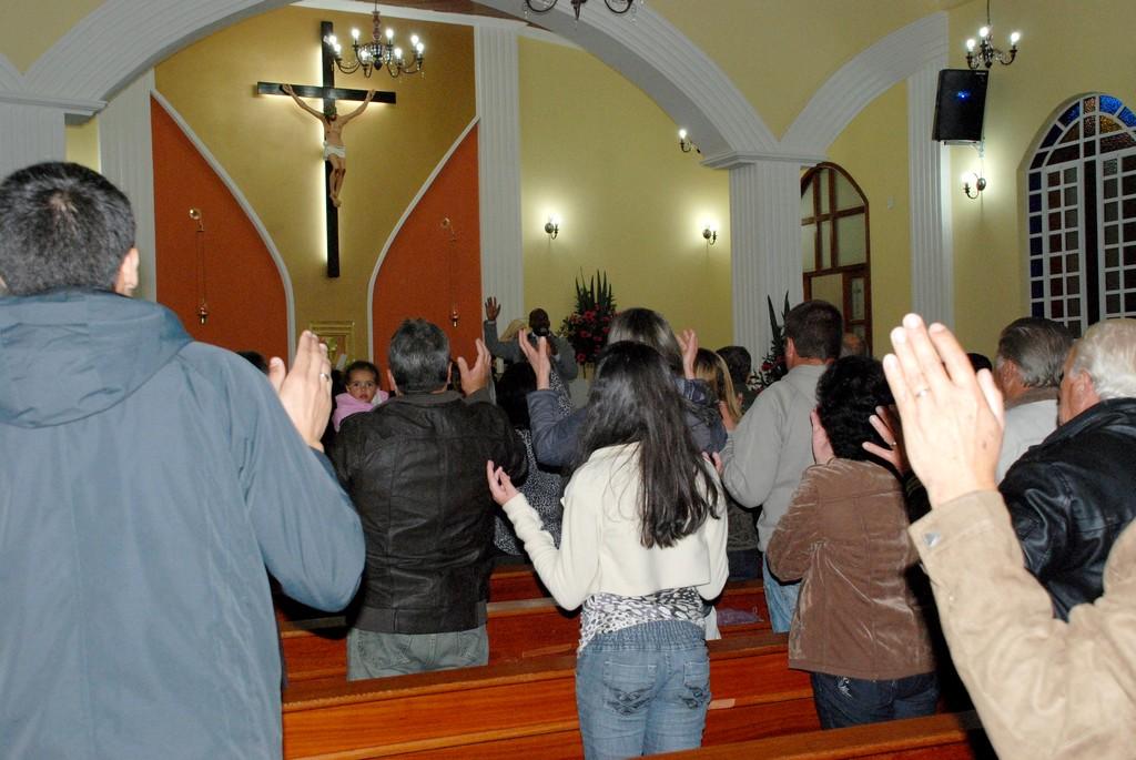 Santa Missa atraiu fiéis para celebrar o dia de Sant'Ana