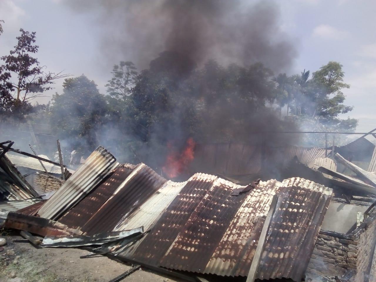Rumah Semi Permanen Milik Guru SD Musnah Terbakar